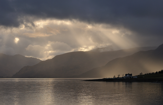 Loch Linnhe wonderland wallpaper